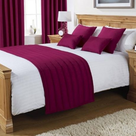 Comfort Simplicity Magenta Runners and Cushions