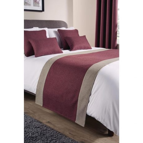 Comfort Tundra Antique Fuchsia Bed Runners and Cushions